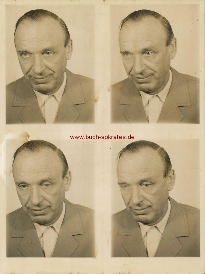 Foto Passbilder Älterer Mann in einfacher Kleidung (ca. 1960)