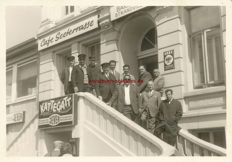 Foto Café Kattegatt mit Seeterrasse / Lübeck? (ca. 1955)