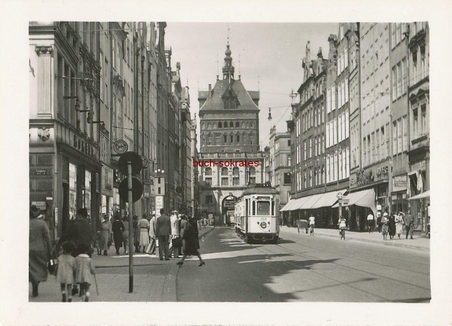 Foto Langgasse / Lange Gasse in Danzig (Gdansk) mit Langgasser Tor und Stockturm (ca. 1940)