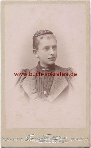Junge Frau aus München (ca. 1900)