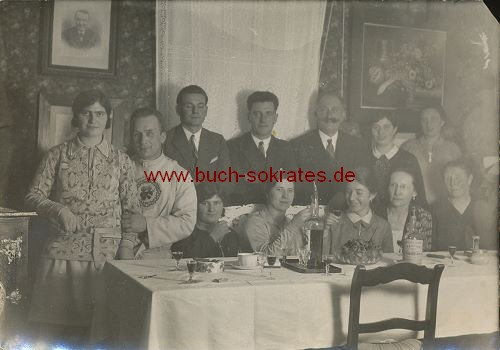 2 Fotos Personen aus dem Dürener Raum am Kaffeetisch (wohl 30er Jahre)