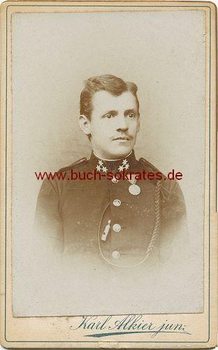 CdV Foto Junger Mann Aus Furstenfeld Steiermark Osterreich In Uniform Mit Orden Ca Zustandsbeschreibung Visitenkarte Carte De Visite