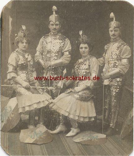 (Theater-)Gruppe aus Deutschland (ca. 1920)