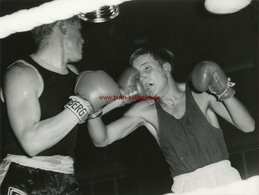 Foto Szene Boxkampf in Hannover (ca. 1960)