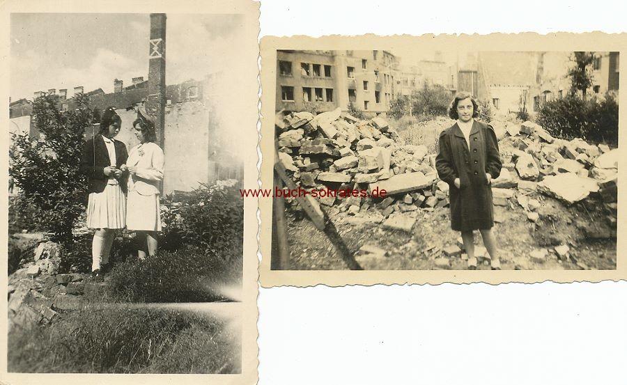 Foto Mädchen / junge Frauen aus Aachen vor Trümmern (wohl in Aachen) (ca. 1945)
