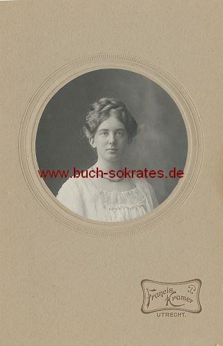 Junge Frau aus Utrecht (ca. 1900)