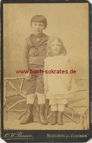 Zwei Kinder / Knabe u. Mädchen aus Middelburg en Vlissingen / Holland (ca. 1880)