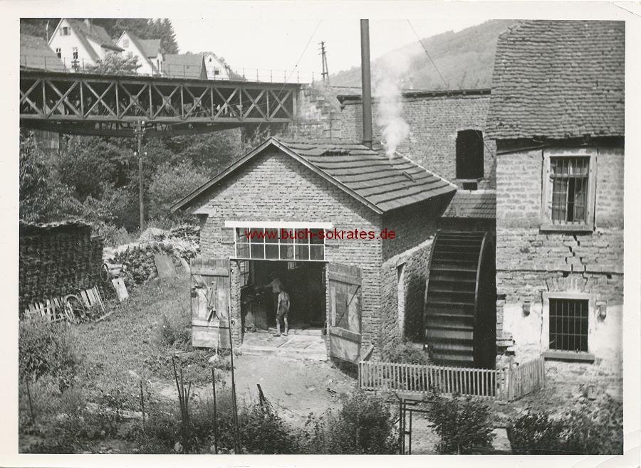 Foto Hirschhorn am Neckar. Kirchturm mit Durchfahrt (ca. 1910)