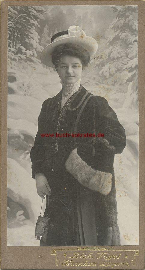 CdV Foto Frau aus Glauchau mit Hut u. Mantel (ca. 1910)