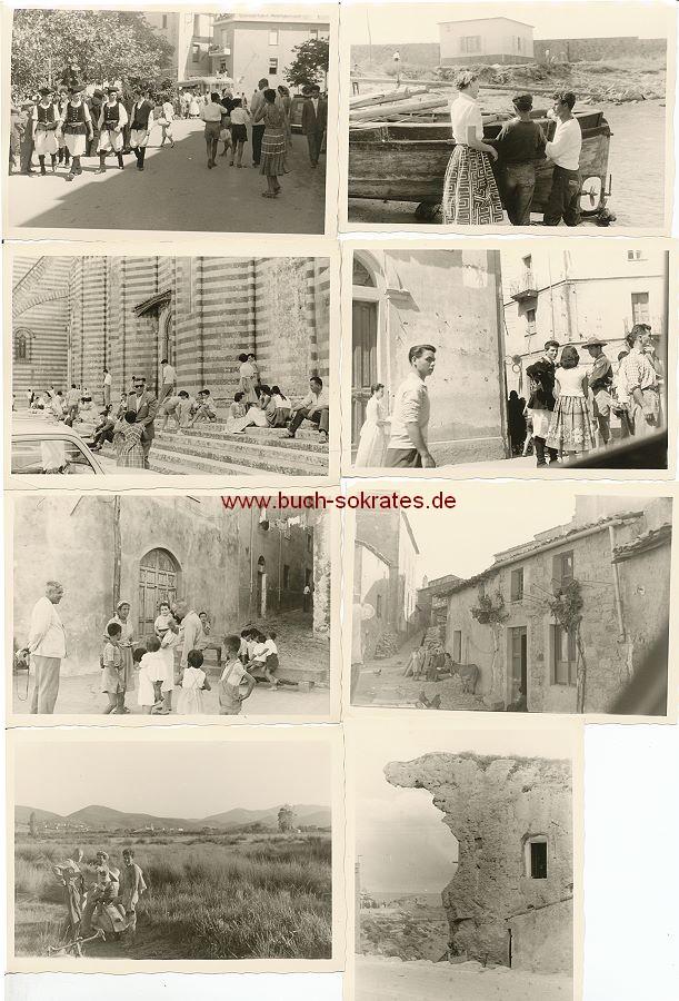 Fotos Urlaubsfotos aus Sardinien: Frauen u. Männer in sardischen Trachten, Fischer, Felsenhaus Sa Rocca in Sedini, Landschaften, Kirchen, Männer an einer Vespa (1958)