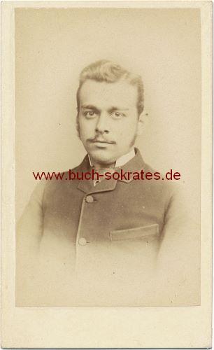 Junger Mann aus Norwich (England) im Anzug (ca. 1890)