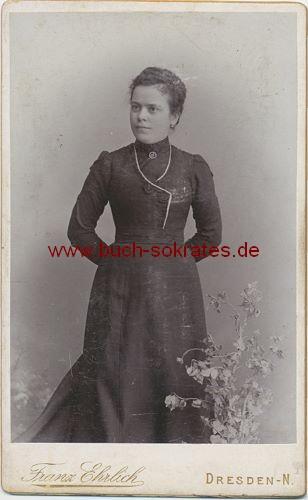 Frau aus Dresden-N. (ca. 1900)