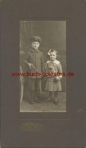 Zwei Kinder aus Mülheim a. Rhein (ca. 1910)