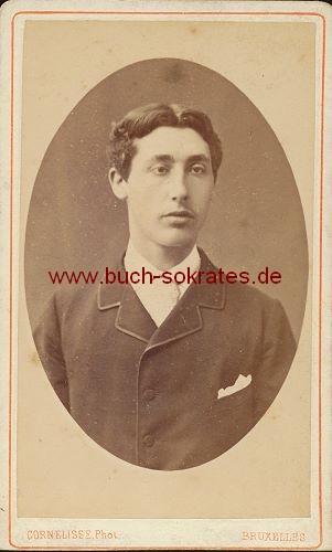 Junger Mann Aus Brussel Bruxelles Belgien Im Anzug Mit Einstecktuch Ca Zustandsbeschreibung Visitenkarte Carte De Visite