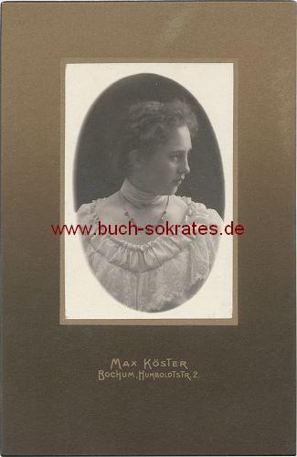 Junge Frau  aus Bochum im Profil im eleganten weißen Kleid (ca. 1910)