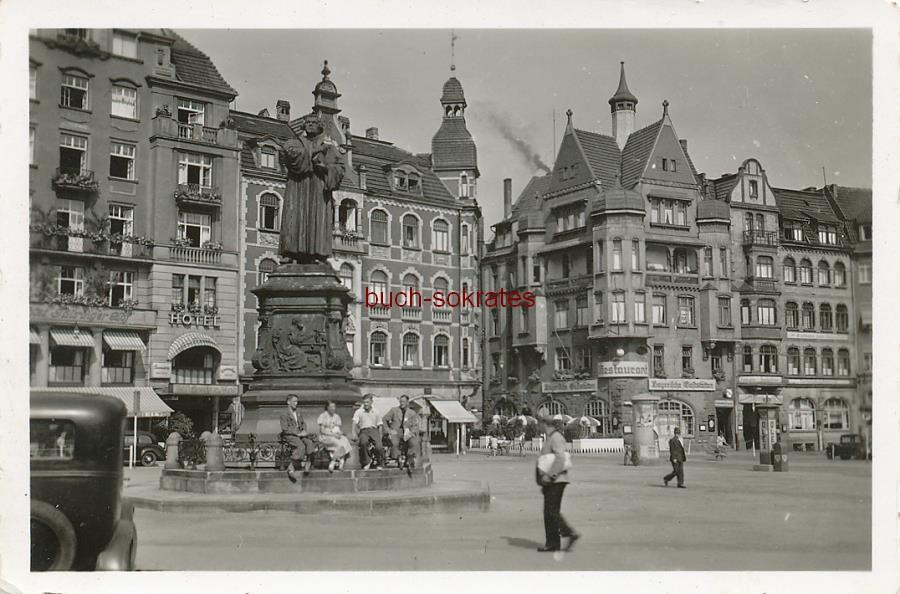 Foto Ansicht Karlsplatz in Eisenach (Thüringen) mit Lutherdenkmal (ca. 1940)