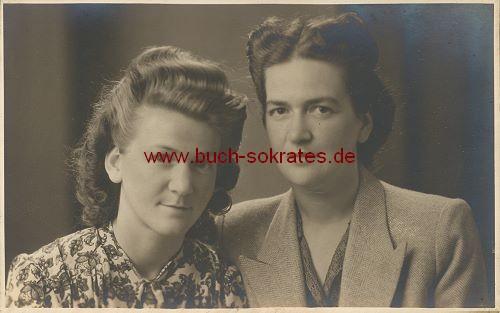 Foto-Postkarte 2 Frauen aus Belgien (ca. 1930)