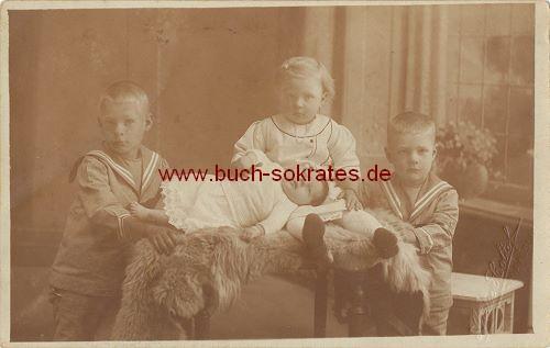 Foto-Postkarte Kinder aus Maassluis / Holland mit Baby (1920)