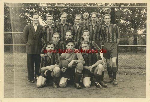 Foto-Postkarte Fußball-Mannschaft aus dem Rheinland (ca. 1950)