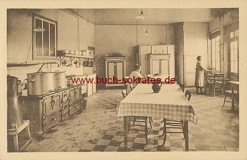 Foto-Postkarte Ecole A. De Craene, Uitkerke - La cuisine (ca. 1920)