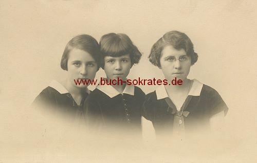 Foto-Postkarte 3 Mädchen (aus Belgien) (ca. 1920)
