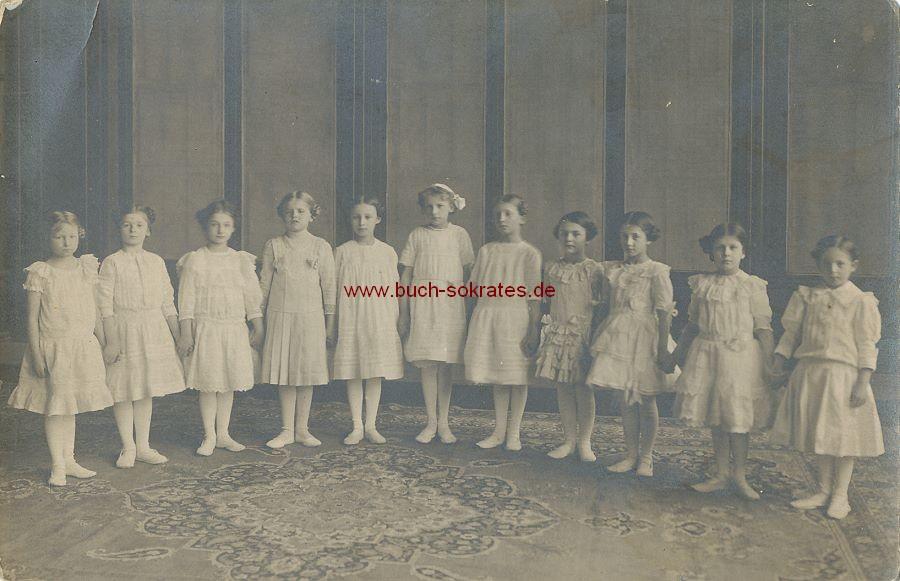 Foto Gruppe Mädels aus Saarbrücken (Saarland) beim Ballett (ca. 1920)