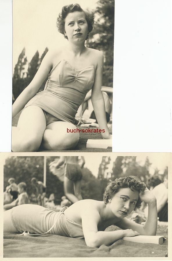 Foto Junge Frau im Badeanzug beim Lesen (wohl im Freibad) (ca. 1960)