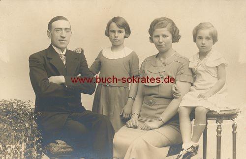 Foto Familie aus Holland oder Belgien (ca. 1920)