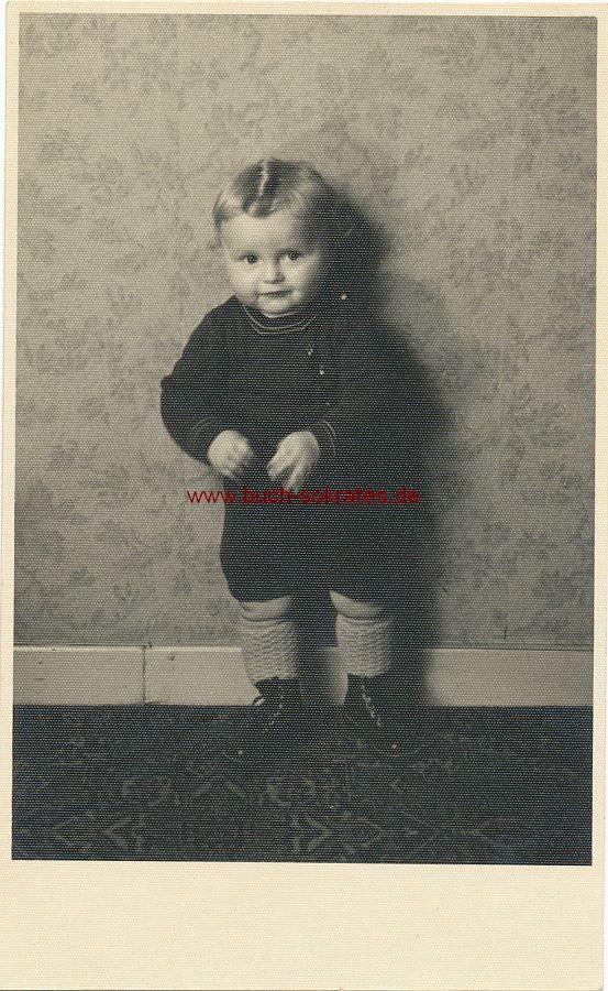 s/w-Foto-Postkarte Kleines Kind aus Godesberg (ca. 1944)