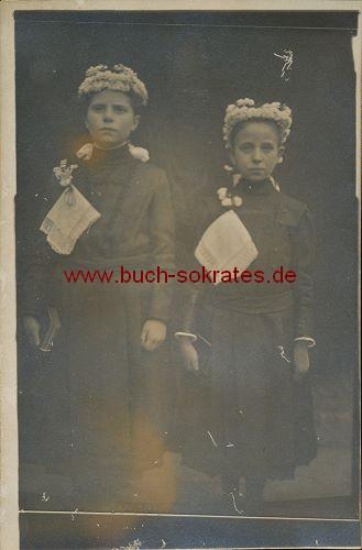 Zwei kleine Mädchen aus Dürener Raum bei Erstkommunion (ca. 1935)