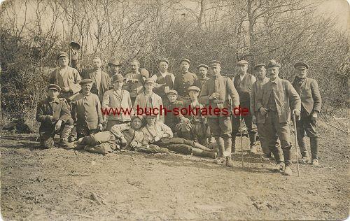 Foto-Postkarte Arbeiter auf Ausflug (ca. 1915)