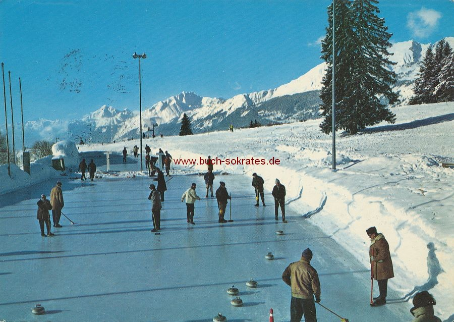 Ansichtskarte Curling-Spieler vor Alpenkulisse in Crans-sur-Sierre / Crans-Montana (Wallis) (1964)