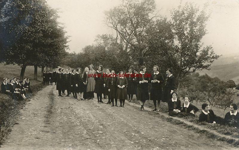 s/w-Foto-Postkarte Gruppe junger Frauen aus Hochstraß / Österreich (1930)