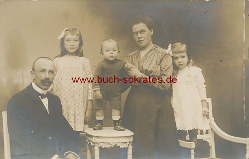 Foto-Postkarte 5-köpfige Familie (aus Belgien?) (ca. 1910)
